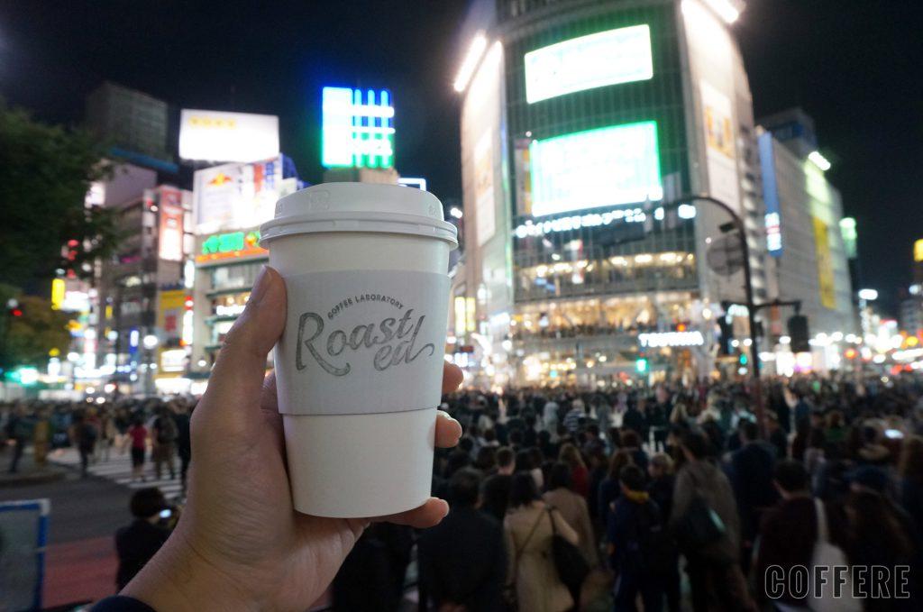 Roasted COFFEE LABORATORY 東急東横店_カップとスクランブル交差点