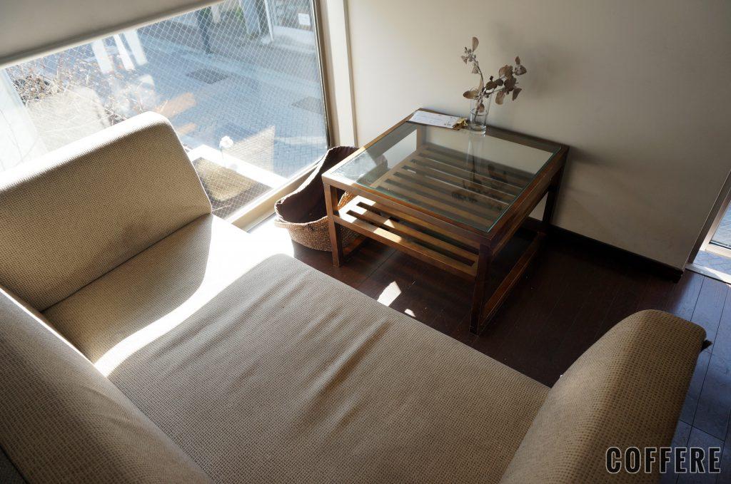 Ryumon coffee standの2階のソファー席