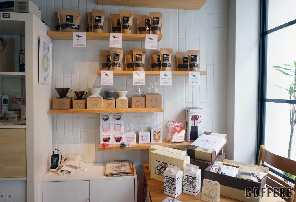 SHIROUZU COFFEE 警固店の物販コーナー