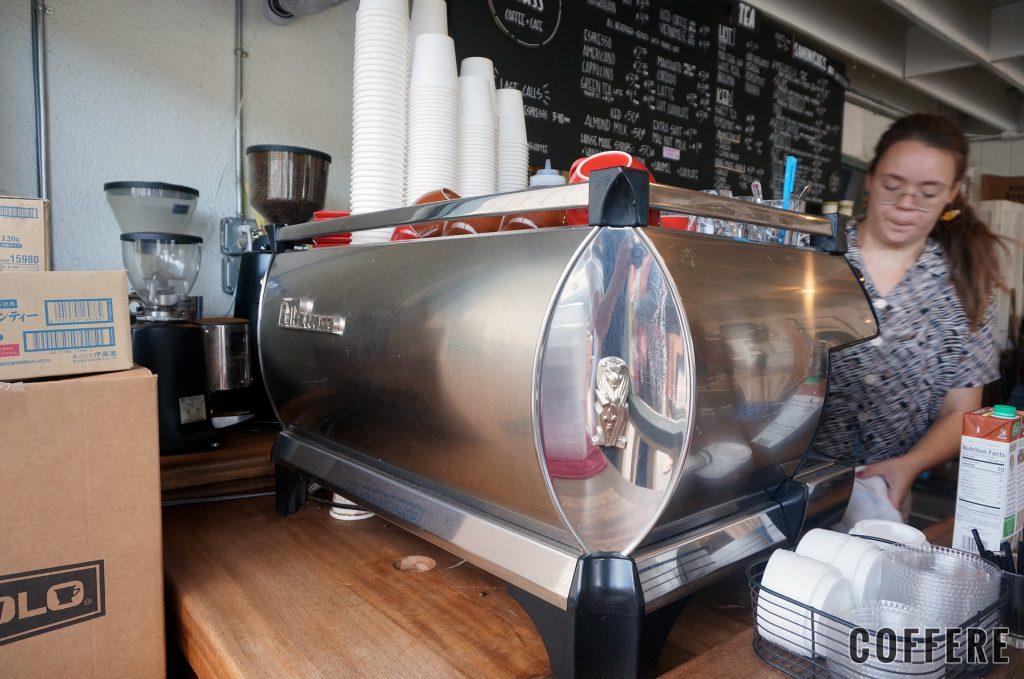 MORNING GLASS COFFEE MANOAのエスプレッソマシン