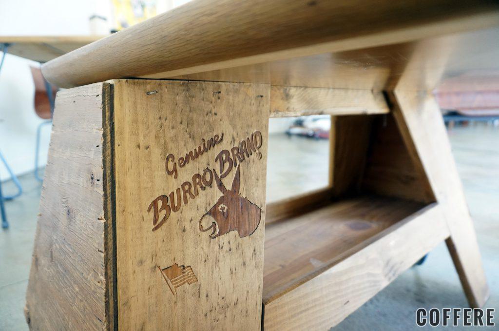 テーブルの脚はバローブランドの作業台