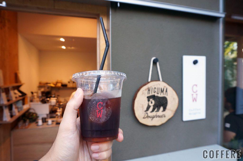 Coffee Wright 表参道のコールドブリューとお店の看板たち