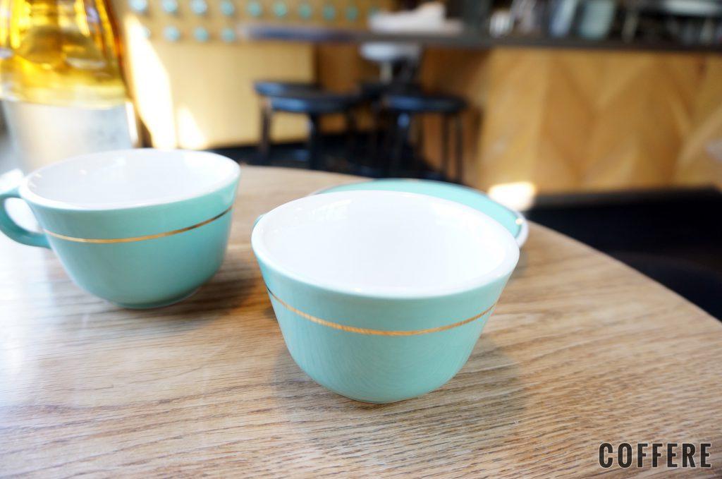 MOJO COFFEE 神楽坂 ここではコーヒーカップを購入可能