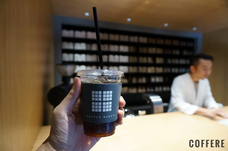 KOFFEE MAMEYAのアイスコーヒーと店内