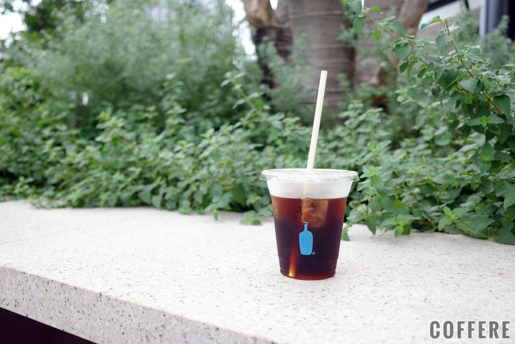 BLUE BOTTLE COFFEE のアイステイクアウトカップ